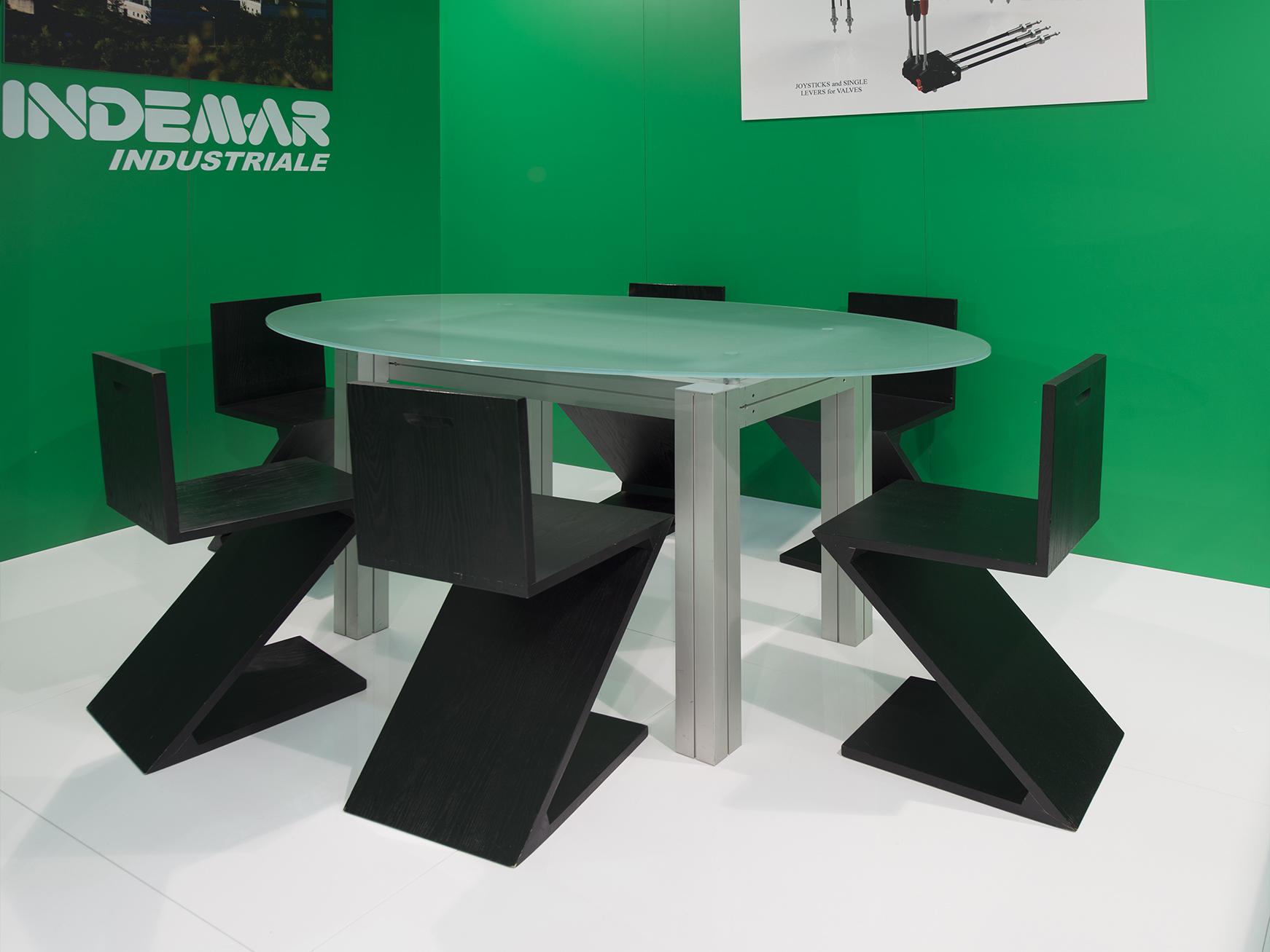 Ftr-allestimenti-Tavolo-conferenze-sedie