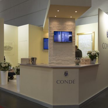 stand-Condè-